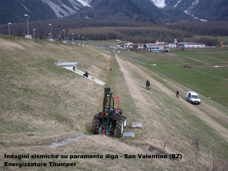 Diga-san-valentino-trattore_